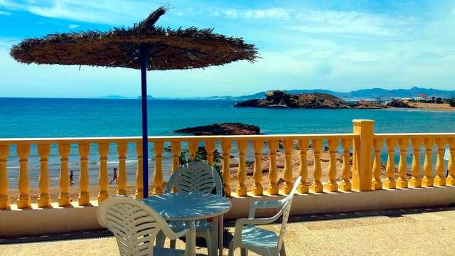 Oferta Especial: Escapada con vistas al mar en un 3* en Mazarrón