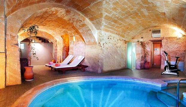 Encanto rural en una casa histórica entre Alcudia y Sierra de Tramuntana con acceso al spa