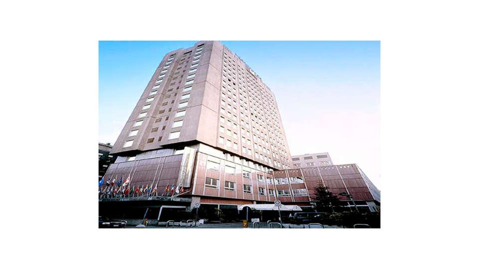 Hotel Michelangelo - Edit_N_Front.jpg