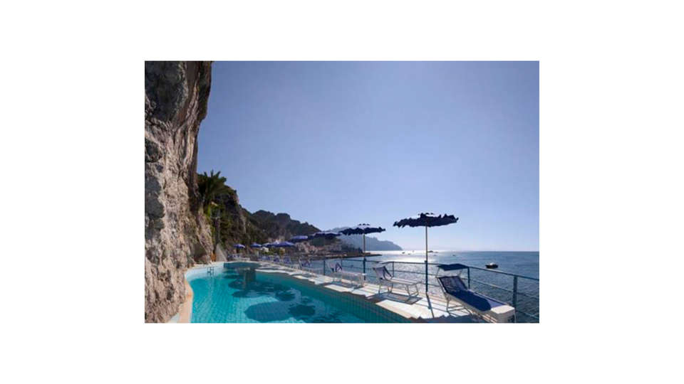 Hotel Miramalfi - Edit_N_Pool.jpg