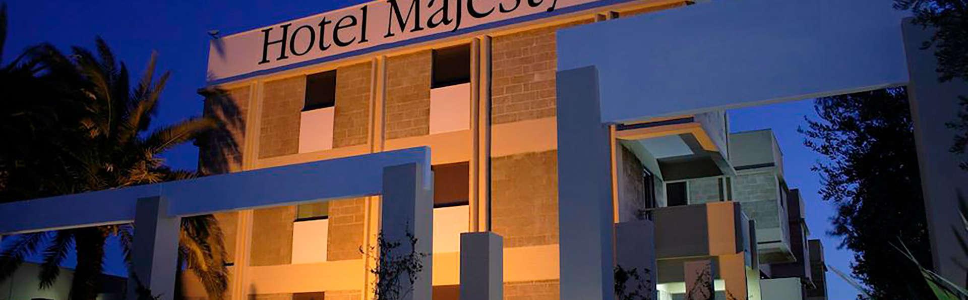 Hotel Majesty - EDIT_N_FRONT.jpg