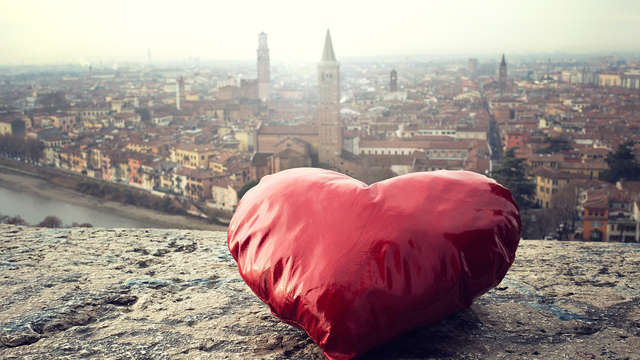 ¡Día de San Valentín en la romántica Verona con acceso al SPA y cena!