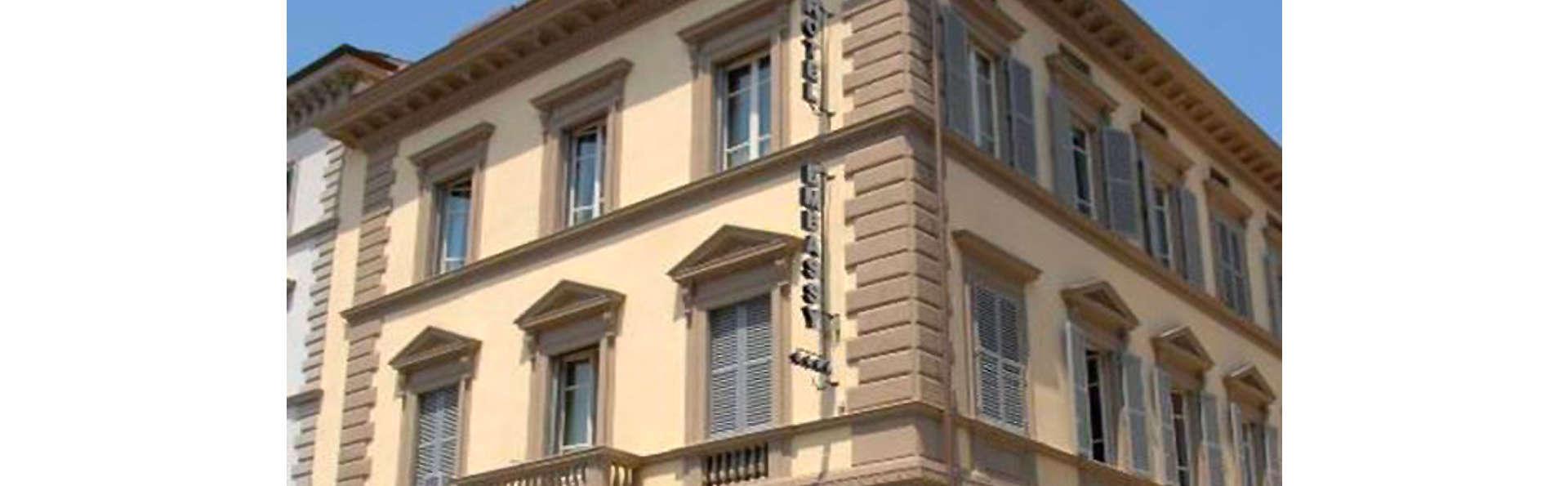 Hotel Embassy - EDIT_FRONT_01.jpg