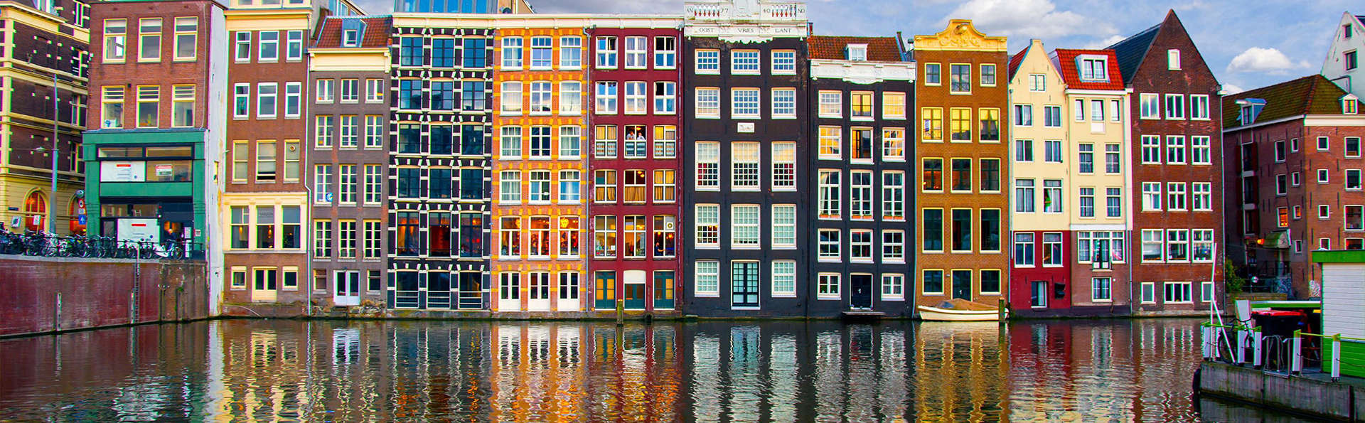 Visitez Amsterdam et reposez-vous dans un lit confortable avec vue sur la ville