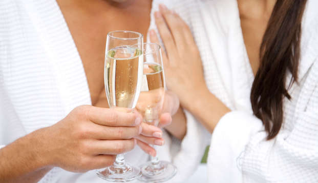 Lovers Special: Romantische sfeer, ontbijt op bed, diner en spa in Covilhã
