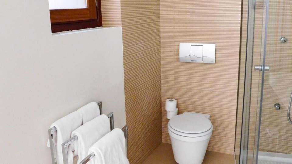Hotel Boutique Cañitas Spa - EDIT_BATHROOM_05.jpg