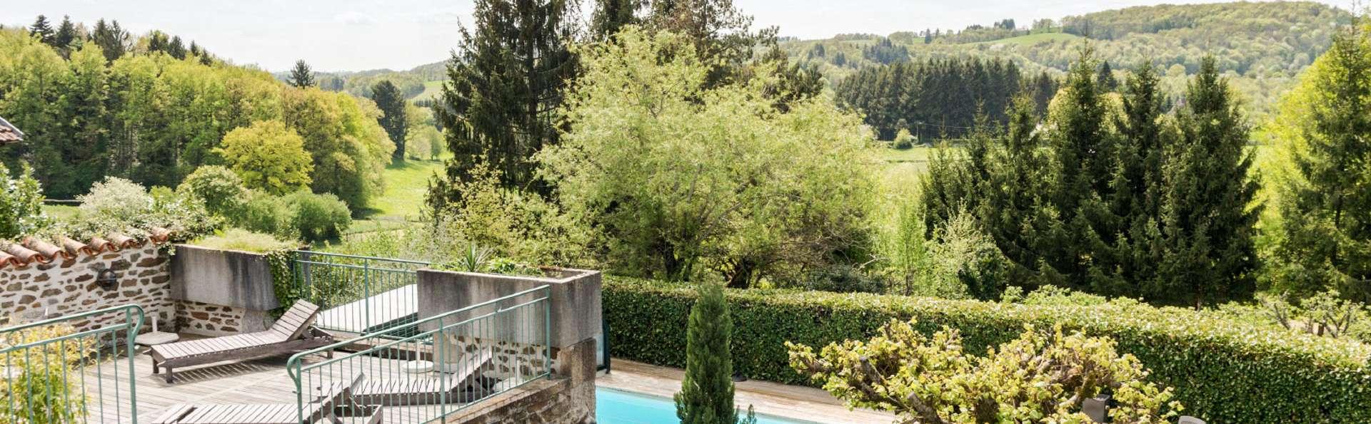 Détente et charme dans un écrin de verdure entre Quercy et Monts d'Auvergne
