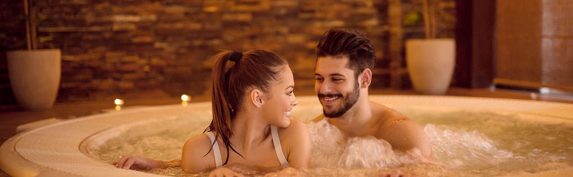 Romanticismo con spa privado, cóctel y salida tardía en un hotel boutique de Alcalá de Júcar