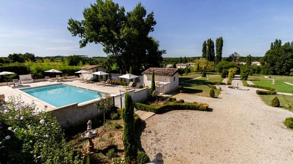 Château De Lantic - EDIT_N3_POOL_01.jpg