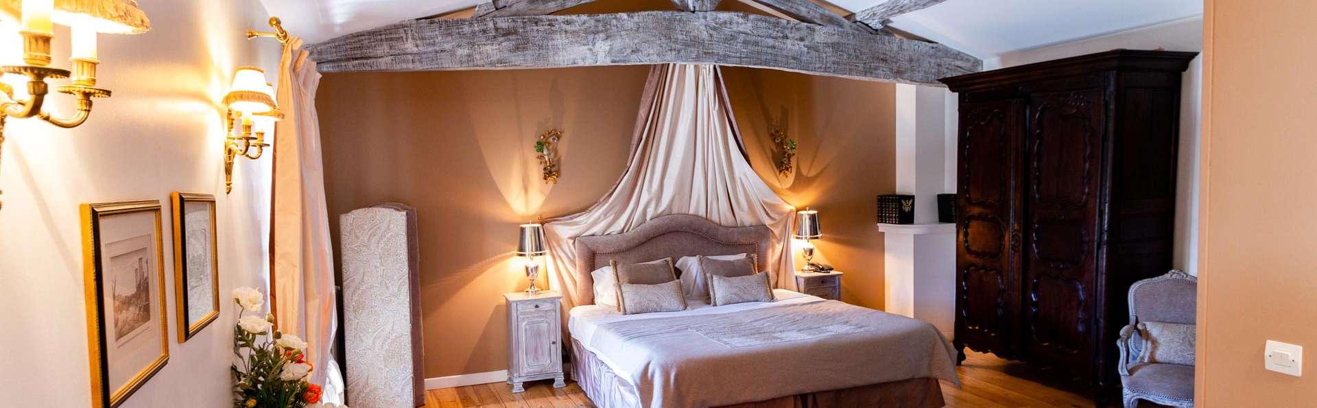 Échappée romantique à côté de Bordeaux en suites, dîner, spa chocolat et philtres d'amour