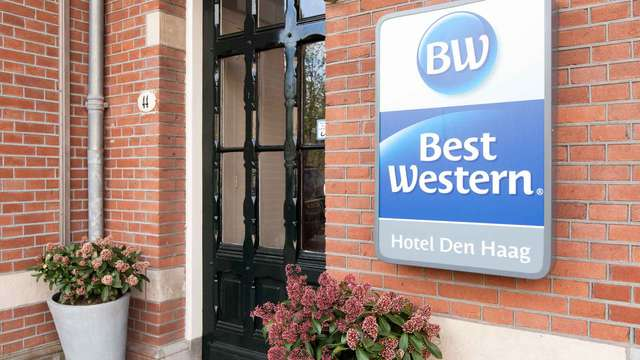 BEST WESTERN DEN HAAG - ENTRANCE
