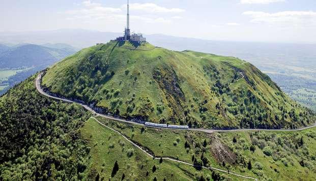 """Escapade au """"Géant des Dômes"""" inscrit au Patrimoine Mondial de l'UNESCO (à partir de 2 nuits)"""