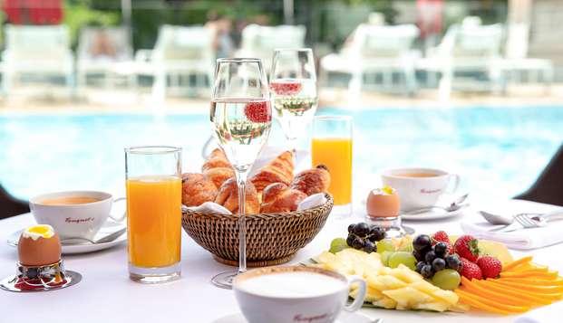 Détente et gourmandise dans le plus mythique hôtel de Cannes