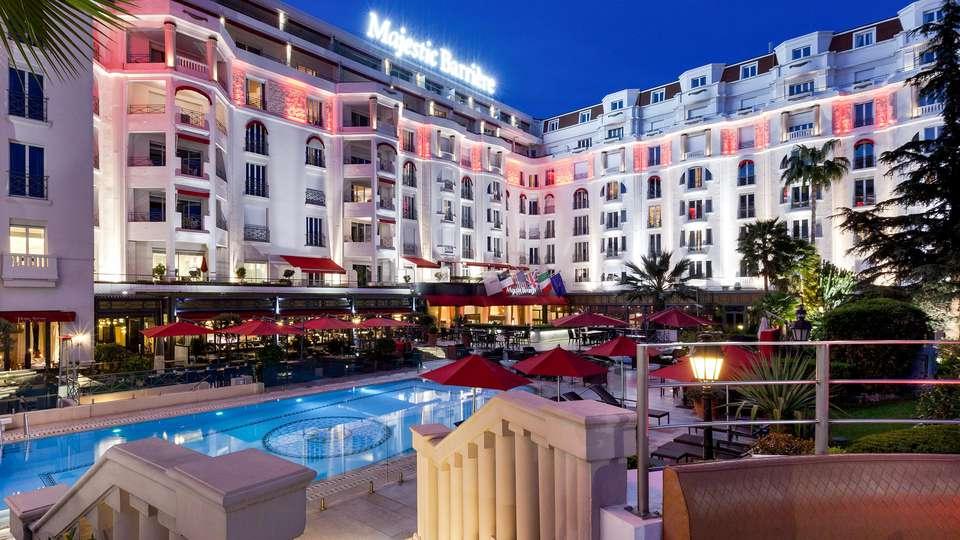 Hôtel Barrière Le Majestic Cannes - EDIT_POOL_01.jpg