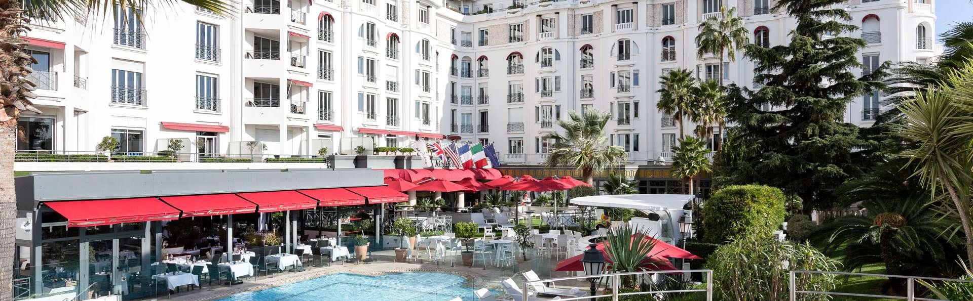 Hôtel Barrière Le Majestic Cannes - EDIT_POOL_02.jpg