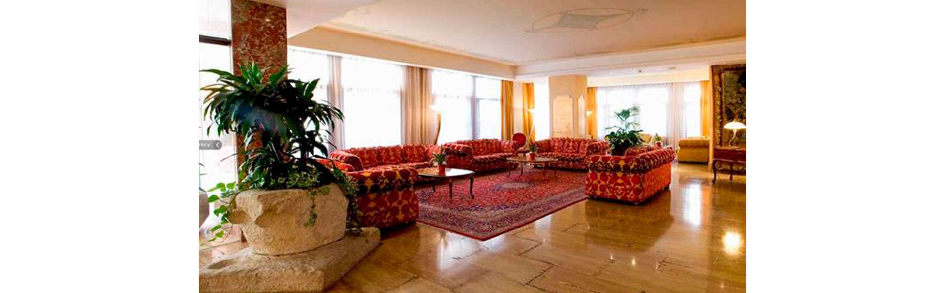 Hotel Principe - Edit_Looby.jpg