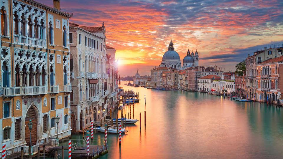 Savoia & Jolanda - Edit_Venecia2.jpg