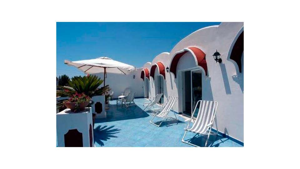 Hotel Bussola di Hermes - Edit_Terrace.jpg