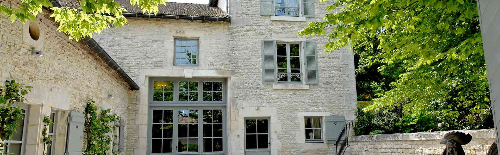 Hostellerie La Montagne - Edit_Front2.jpg