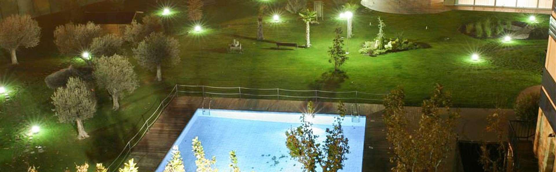 Hotel Las Ventas - EDIT_POOL_01.jpg