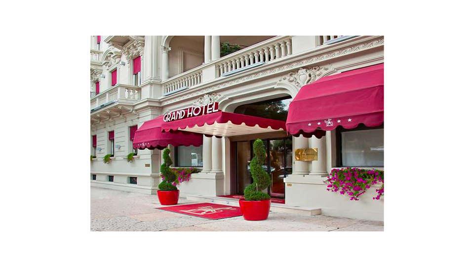 Grand Hotel Des Arts - EDIT_FRONT_01.jpg