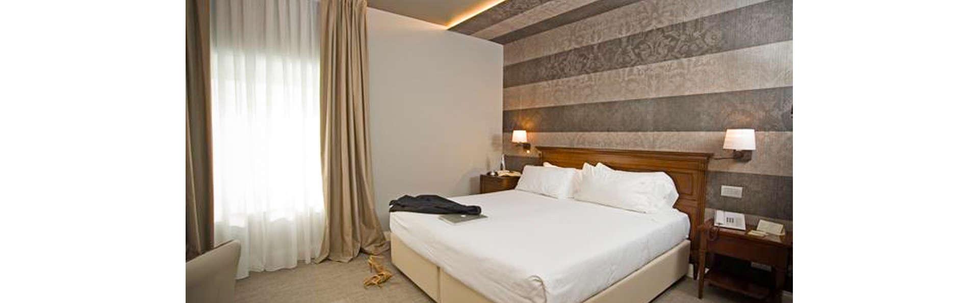 Grand Hotel Des Arts - EDIT_ROOM_01.jpg