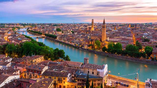 Flânez dans les ruelles historiques de Verona