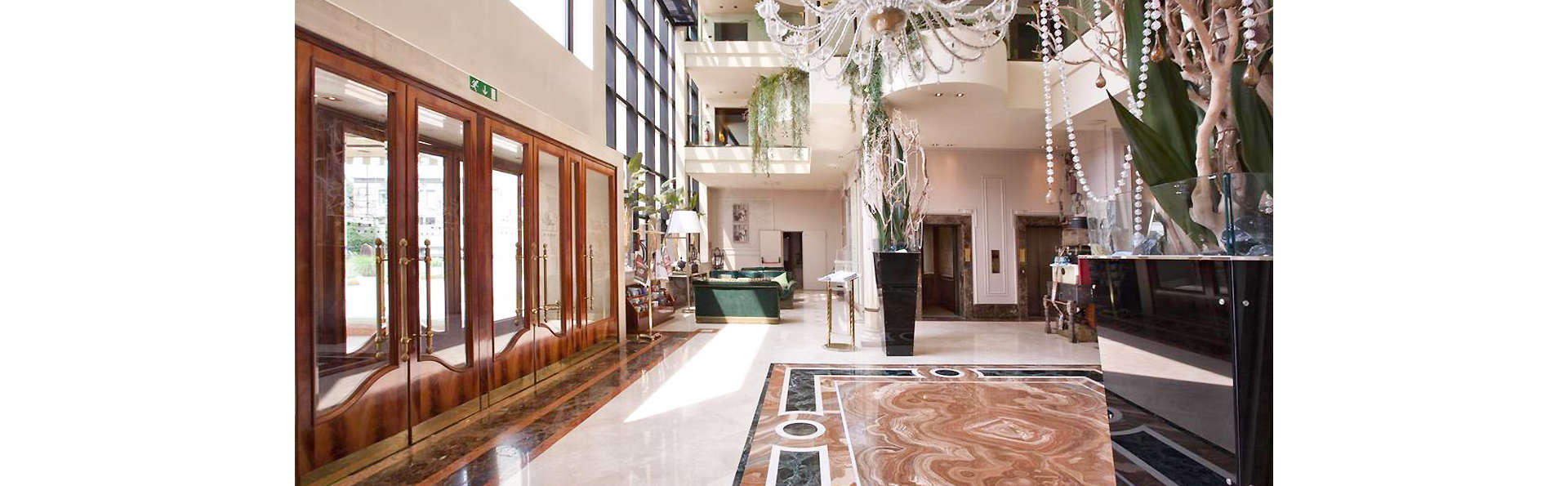 Hotel Leon d'Oro - EDIT_LOBBY_01.jpg