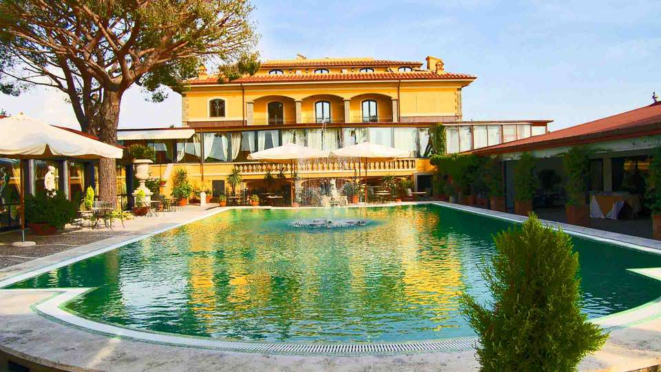 Grand Hotel Helio Cabala - Edit_POOL.jpg
