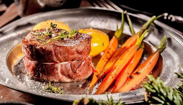 Escapada gastronómica con cena típica regional en un hotel con encanto cerca de Burgos