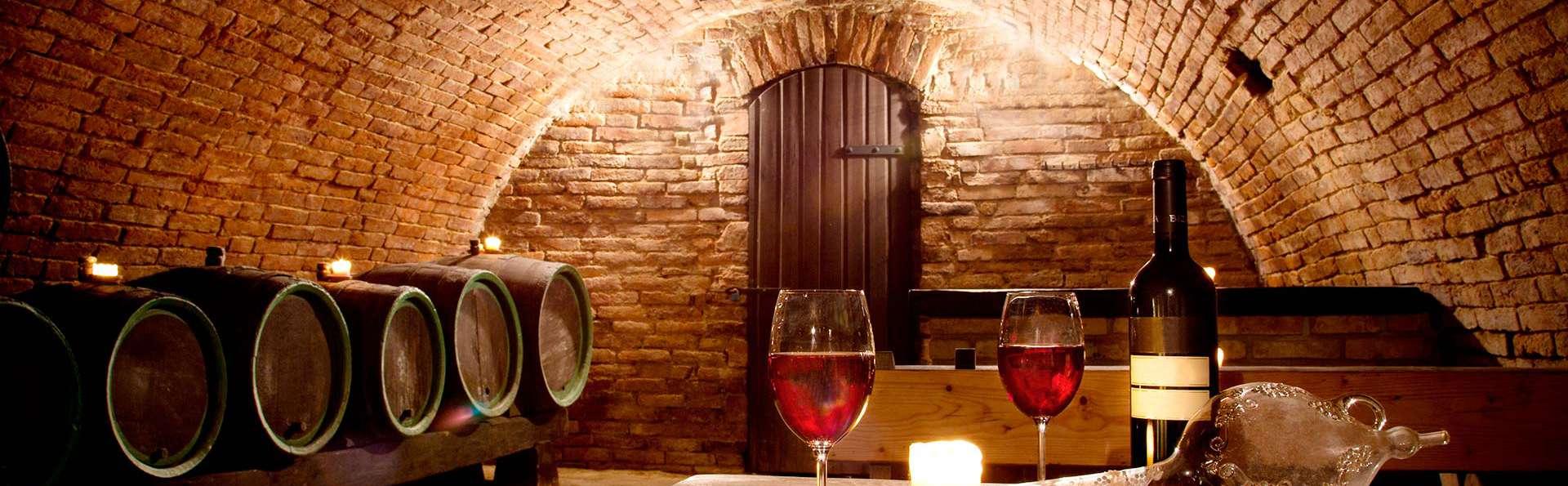 Escapada en un Palacio de Zafra con visita a bodega, cata de vinos y cena en los alrededores