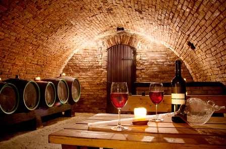 Fuga con visita ad una cantina, degustazione di vini e cena in un palazzo di Zafra