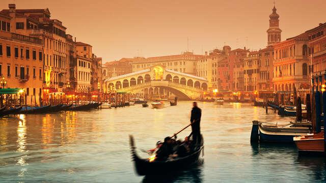 ¡Estancia romántica en Venecia con paseo en góndola!