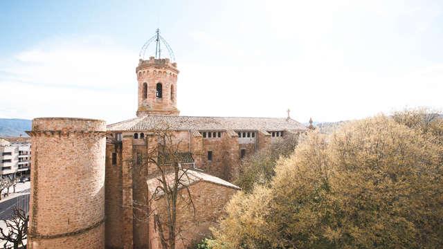 Escapada con cena con productos de la tierra y botella de cava en el Pirineo Catalán