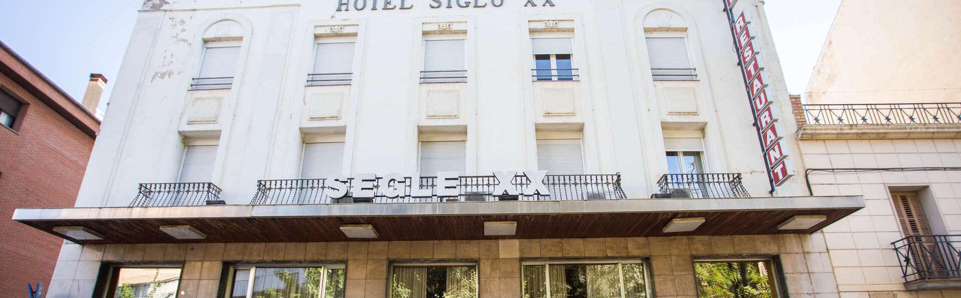 Hotel Segle XX - EDIT_NEW_FRONT.jpg