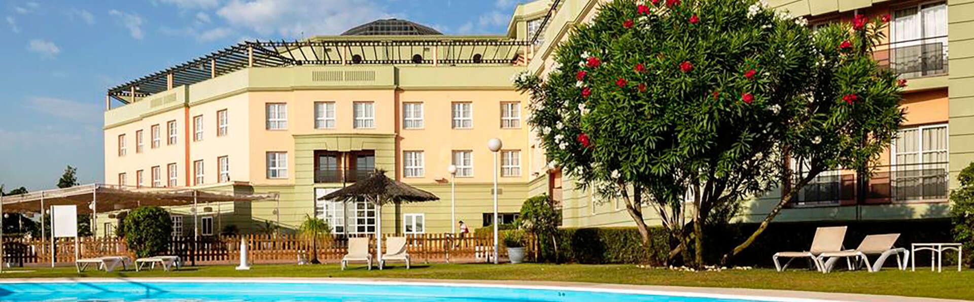 Ilunion Alcora Sevilla - Edit_Pool2.jpg