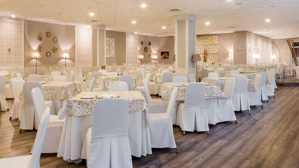 Ilunion Alcora Sevilla - Edit_Restaurant.jpg