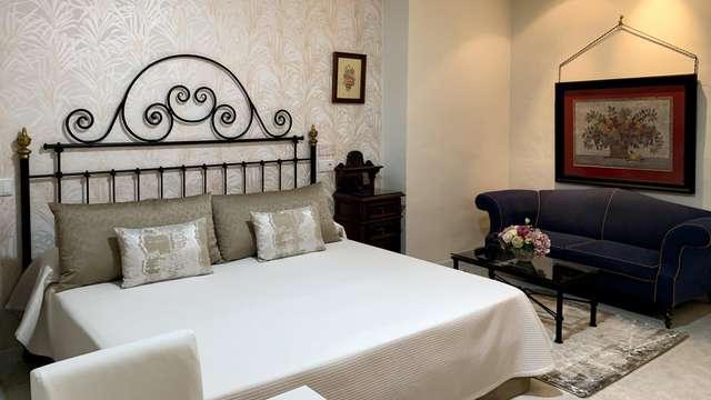 Weekend in een suite: Geniet van een weekend in Antequera met diner en een jacuzzi op de kamer