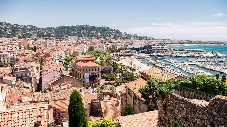 JW Marriott Cannes - EDIT_DESTINATION_01.jpg