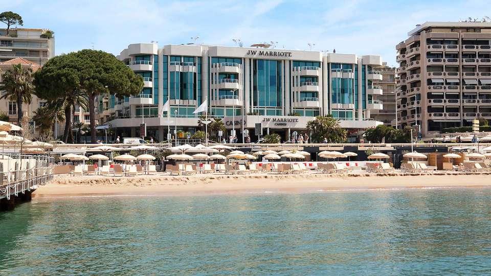 JW Marriott Cannes - EDIT_FRONT_03.jpg