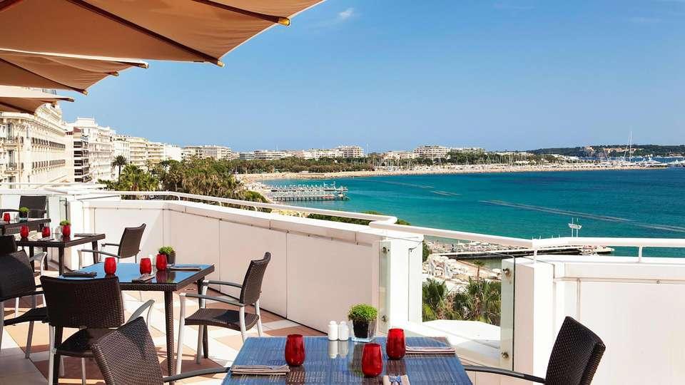 JW Marriott Cannes - EDIT_TERRACE_02.jpg