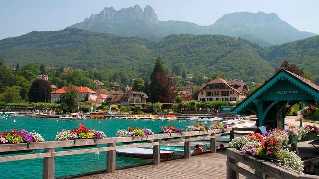 Charme et détente avec vue sur le lac d'Annecy