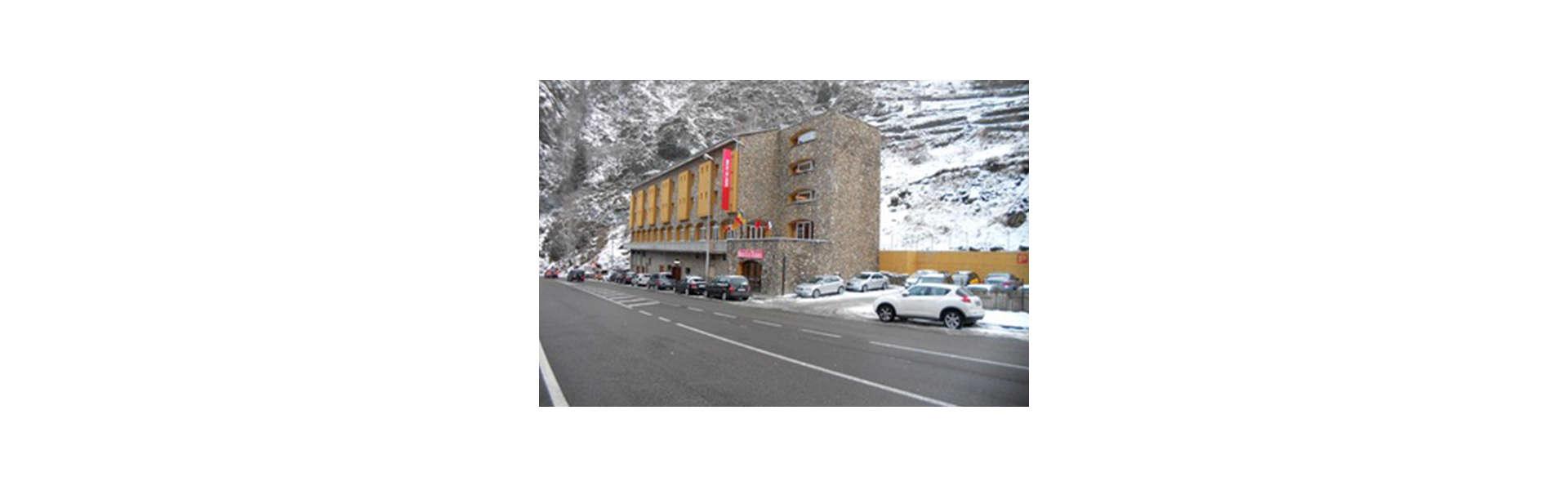 Hotel Les Terres - EDIT_FRONT_01.jpg