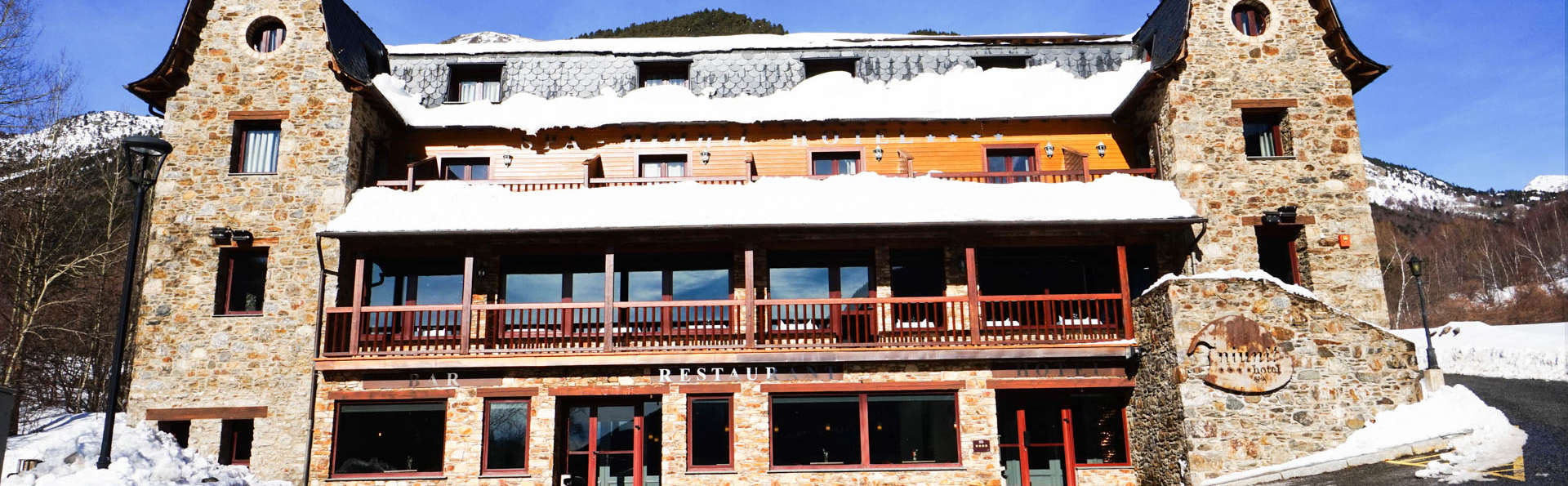 Hotel & Spa Niunit - EDIT_FRONT.jpg