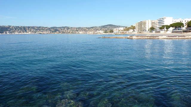 Évasion en bord de mer à Juan-les-Pins en Côte d'Azur