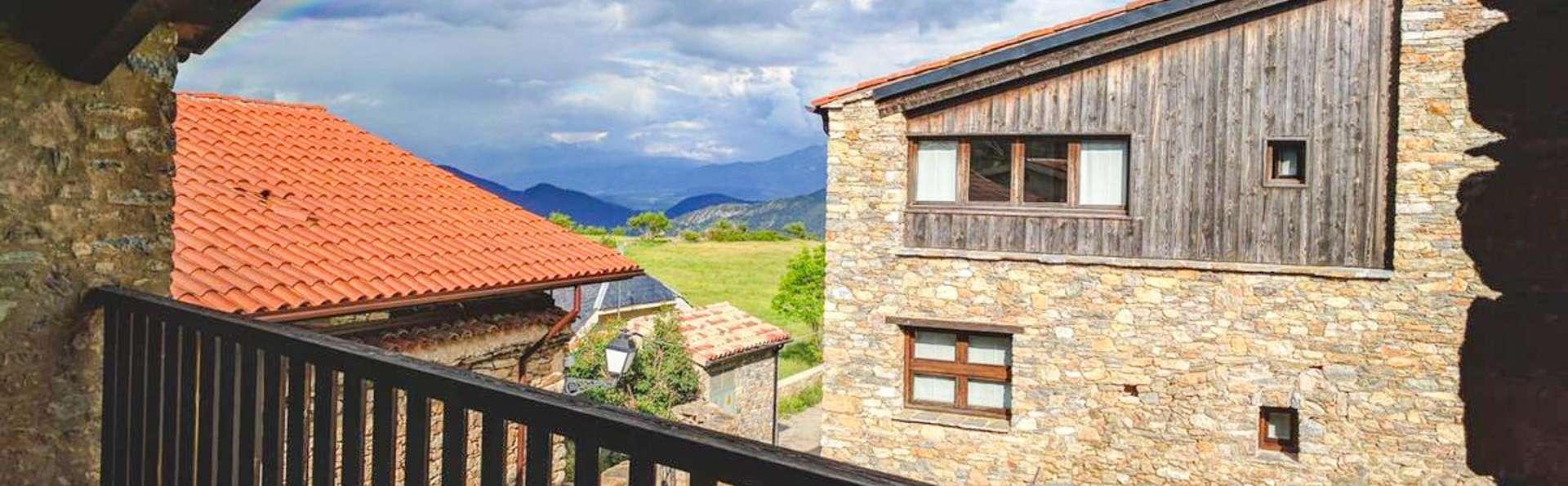 Escapade au Cadi-Moixeró dans une chambre avec balcon et vue sur les montagnes