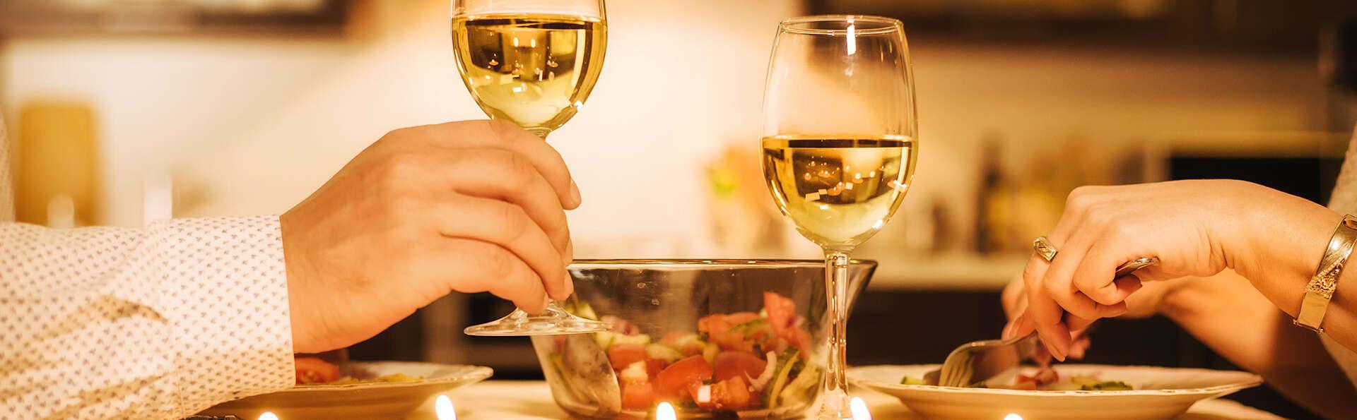 Échappée romantique avec champagne et macarons aux portes de Paris