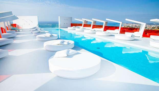 Escapada 5*: Lujo & Diseño con increíbles vistas en Hotel Hilton en Fuengirola, Costa del Sol