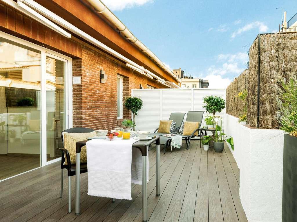 Séjour Barcelone - Escapade romantique dans une suite junior avec cava et assortiment de fromages à Barcelone  - 4*