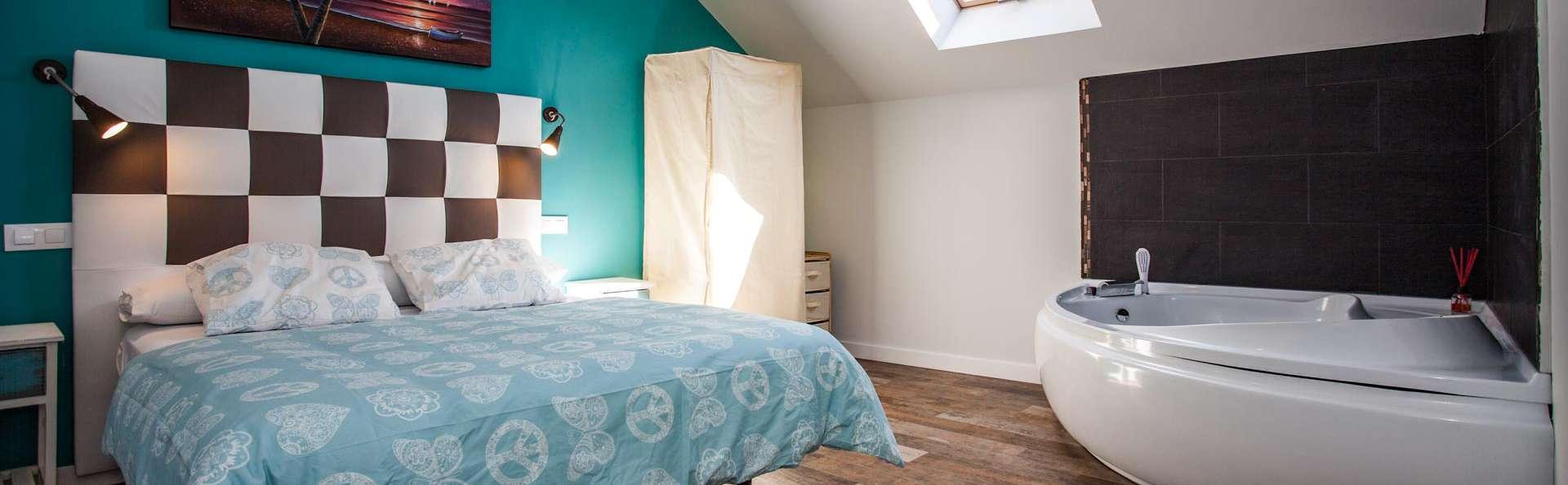 Escapada romántica cerca de Madrid con precioso jacuzzi en la habitación